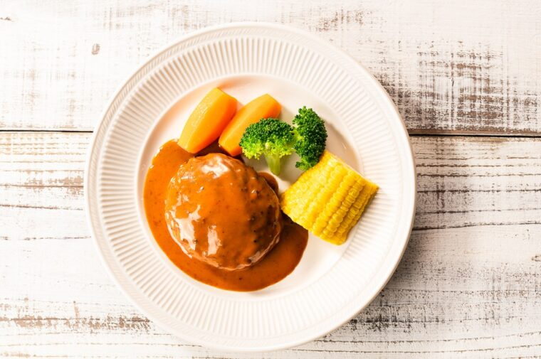 黒毛和牛と黒豚のハンバーグ~ブラウンバターソース~